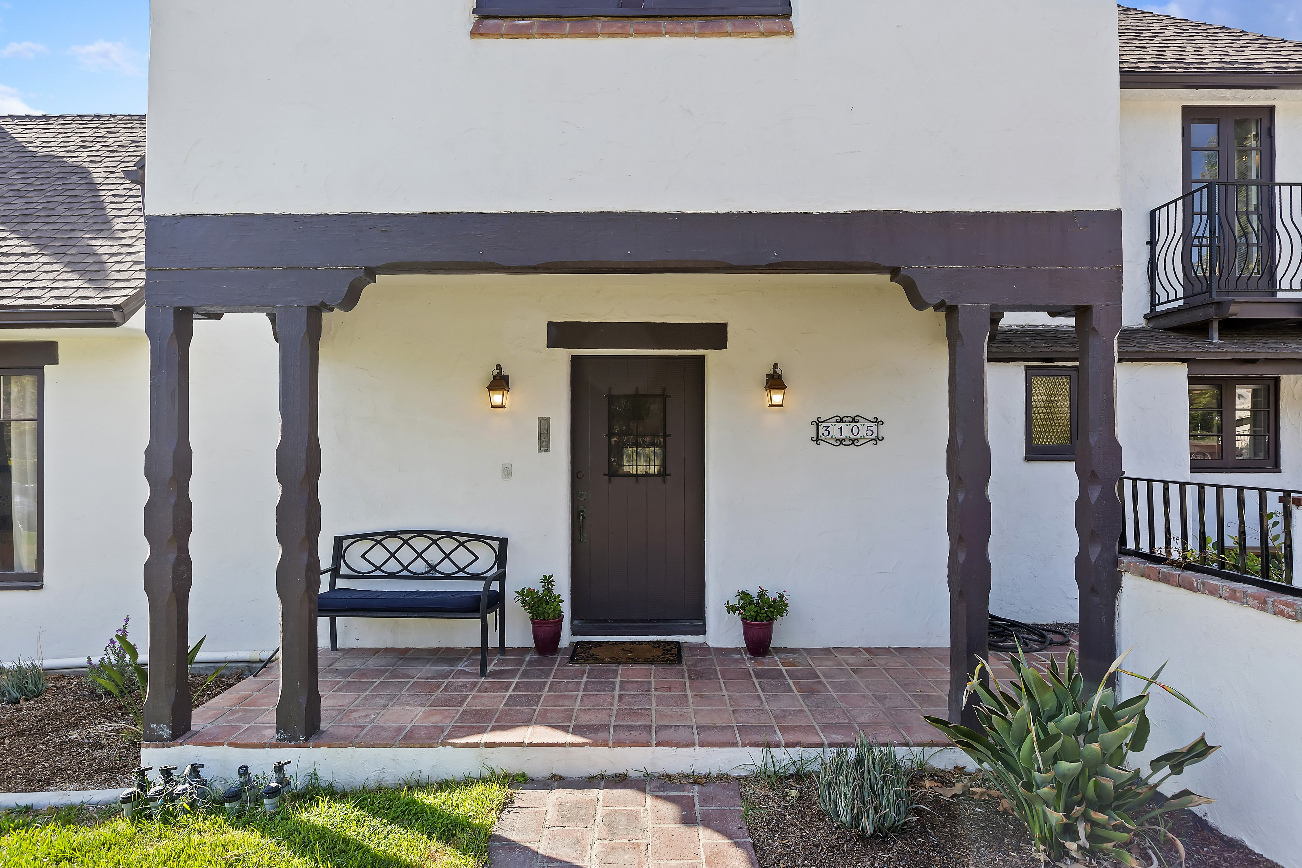007_Front Entry