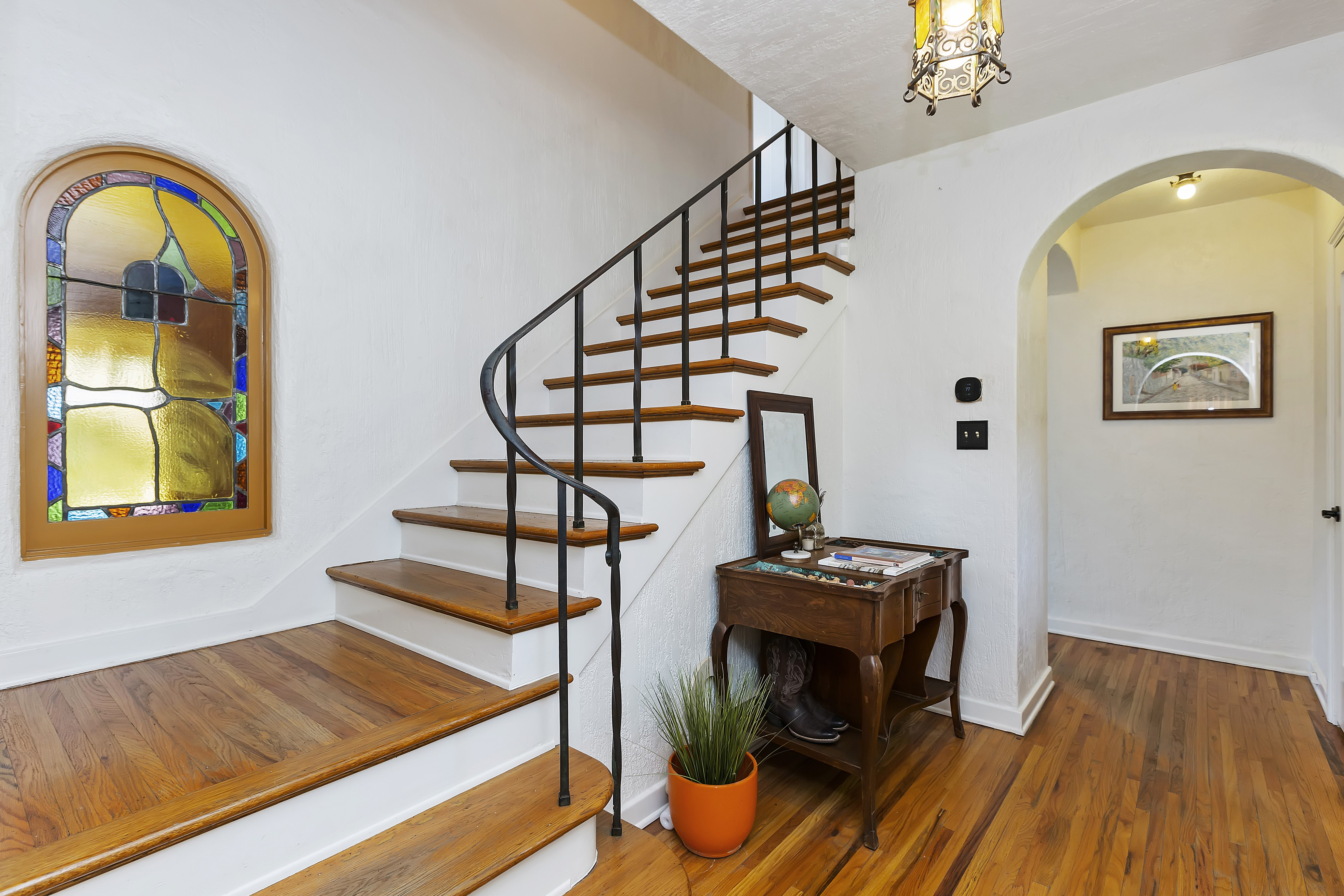 011_Staircase with Stainglass