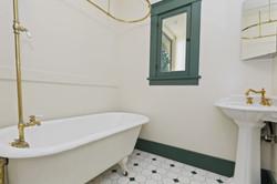 016_Bathroom