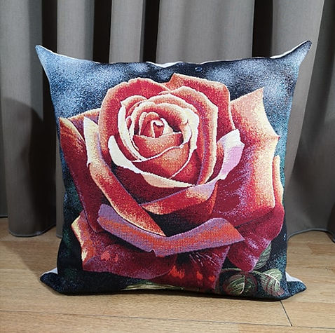 CUSHION ROSE COL.1.jpg
