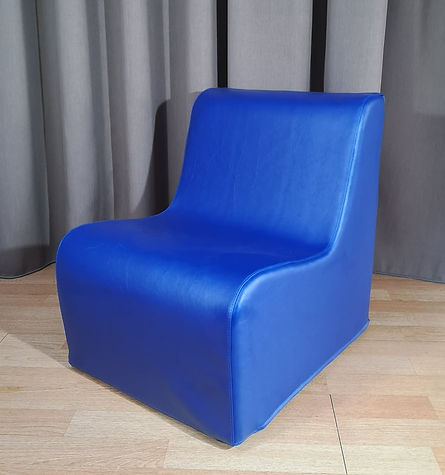 kids chair blue.jpg