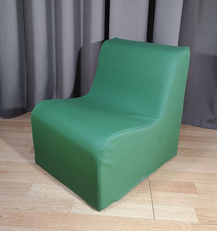 kids chair green.jpg