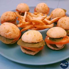 Des hamburgers GF et des frites!