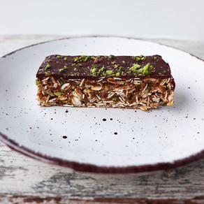 No-Bake Chewy Fig & Pistachio Granola Bars