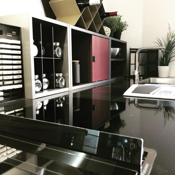 ESQUIZ, photo cuisine zecchinonen exposition dans notre show-room au 136 boulevard du Montparnasse