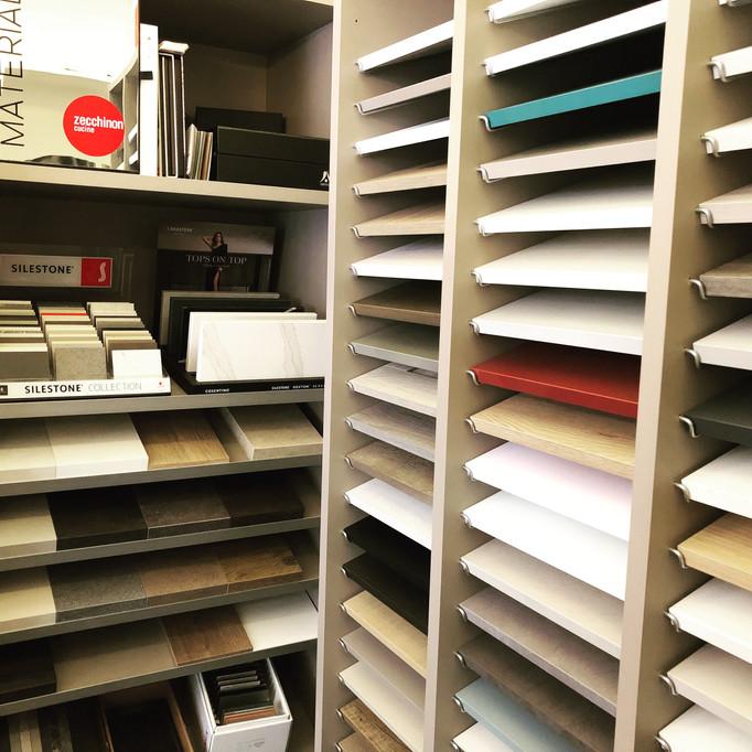 ESQUIZ, Notre show-room vous propose un espace dédié aux échantillons.