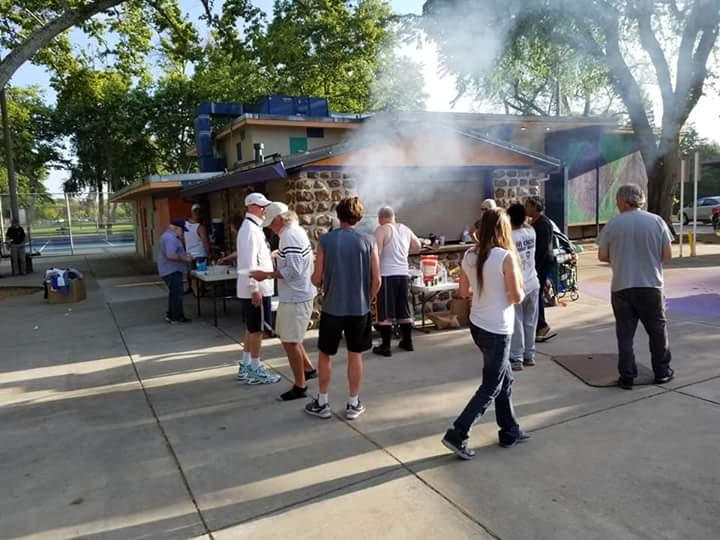 Blameless and Forever Free Ministries and Chaplain Tammy being the hands and feet of God as they continue to do their street outreach programming in Roseville, CA.  Using food as a vessel to pour life, love and nourishment into their mental, physical and spiritual states.