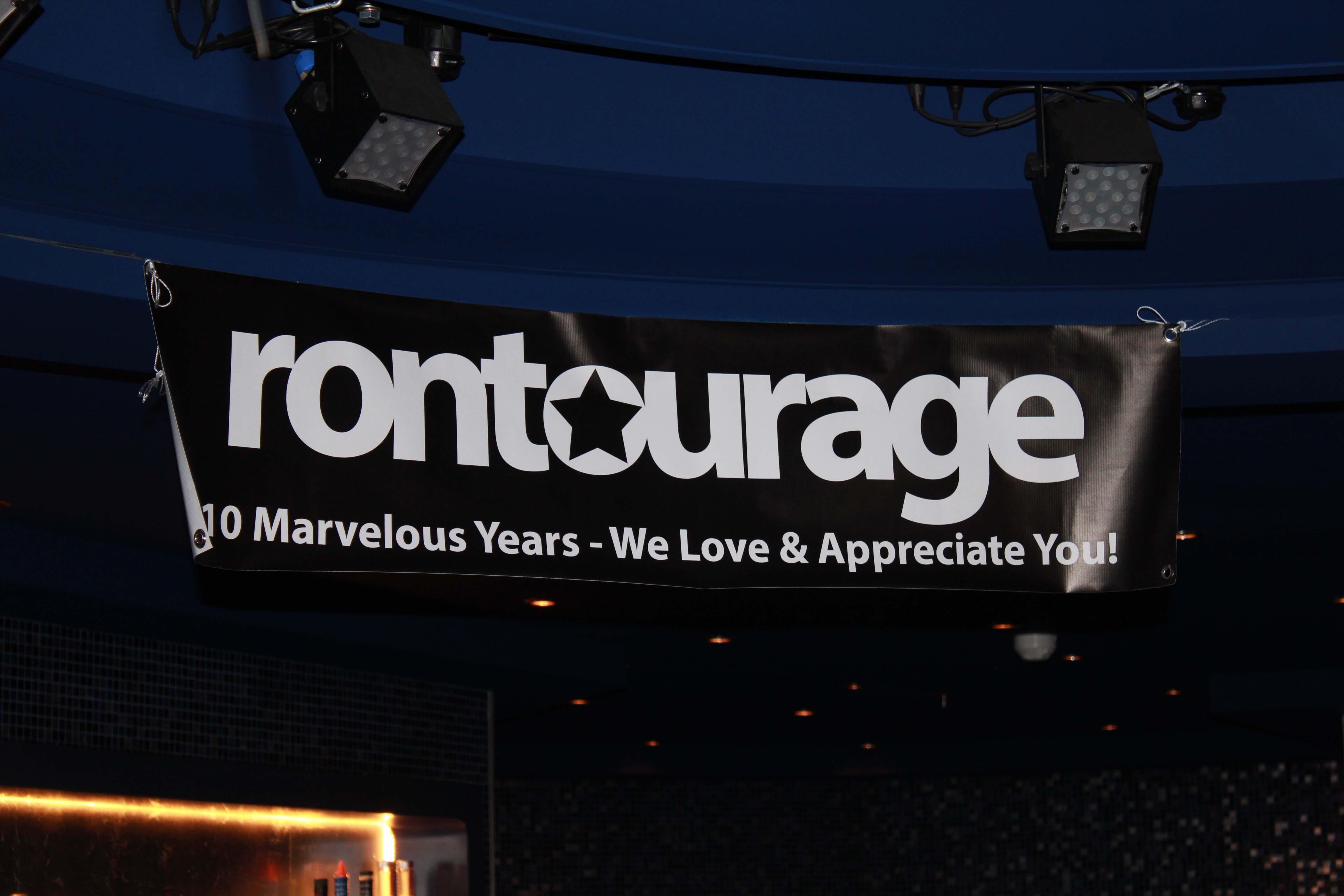 Rontourage Sign