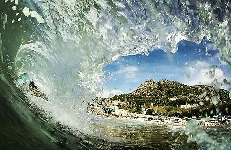 Playa con Ola.jpg