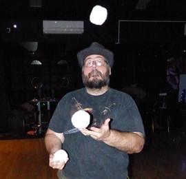 Snowball juggling