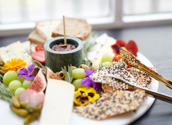 QUEENS OF MAYFAIR CHEESE BOARD
