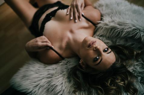 boudoir-photographer-near-me-12.jpg
