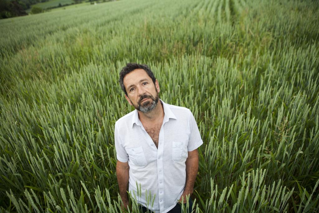 Stefan Tamò in a cereal field