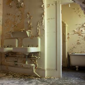 Bancroft Bathroom