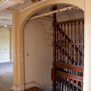 Bancroft Wooden Suicide Cage