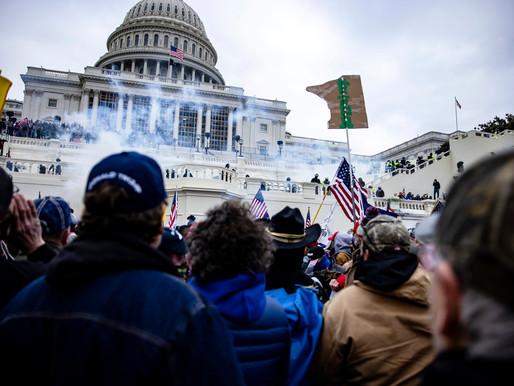 Χάος στην Ουάσινγκτον: υποστηρικτές του Donald Trump εισβάλλουν στο Καπιτώλιο