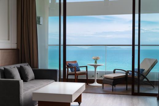 Mövenpick Resort Cam Ranh 1.jpg