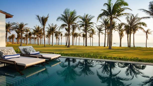 Beach Front Villa_PoolCOPY.jpg