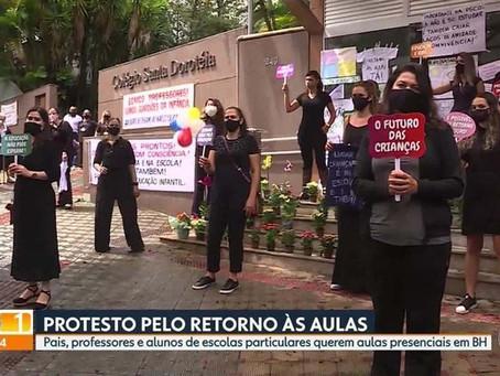 PROTESTOS PELA REABERTURA DAS ESCOLAS