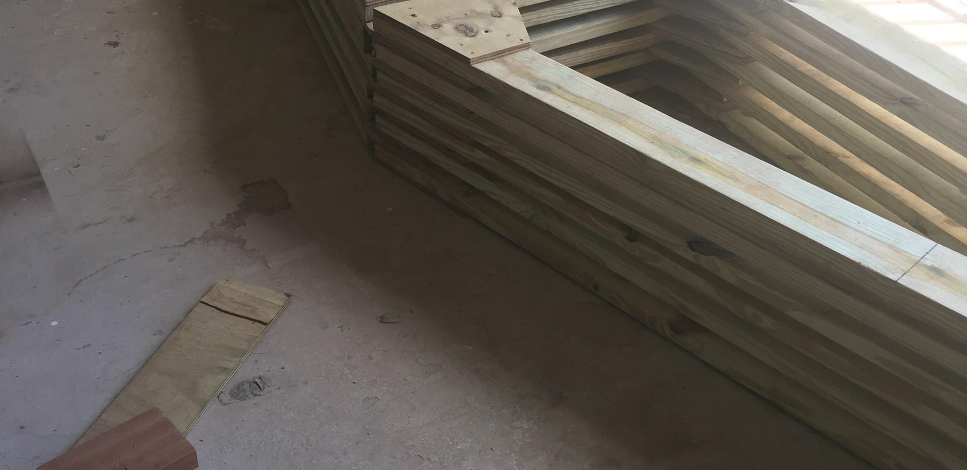 Truss build Roof 1 (1).jpg