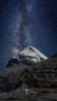Кайлас на фоне Млечного Пути