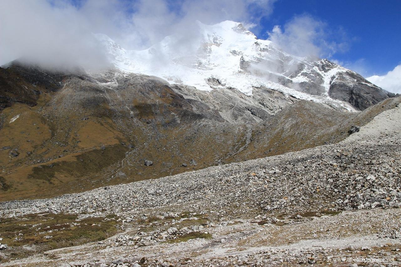 Гора Кабру (7412 м.)