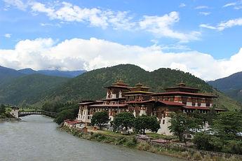 Пунакха-дзонг, или Дворец Великого Счастья