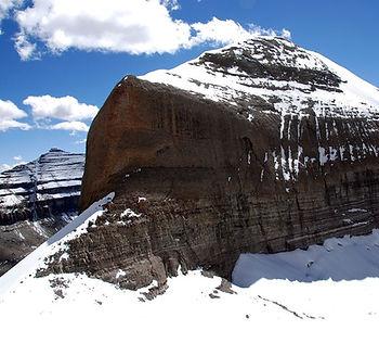 вид горы Нанди с маршрута внутренней коры