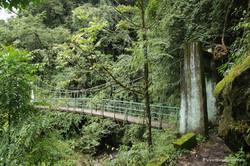 Мост на Гоэча-ла трекинге
