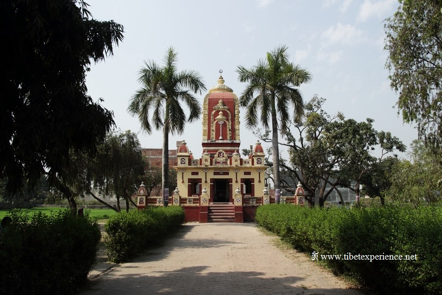 Храм джайнов в Кушинагаре