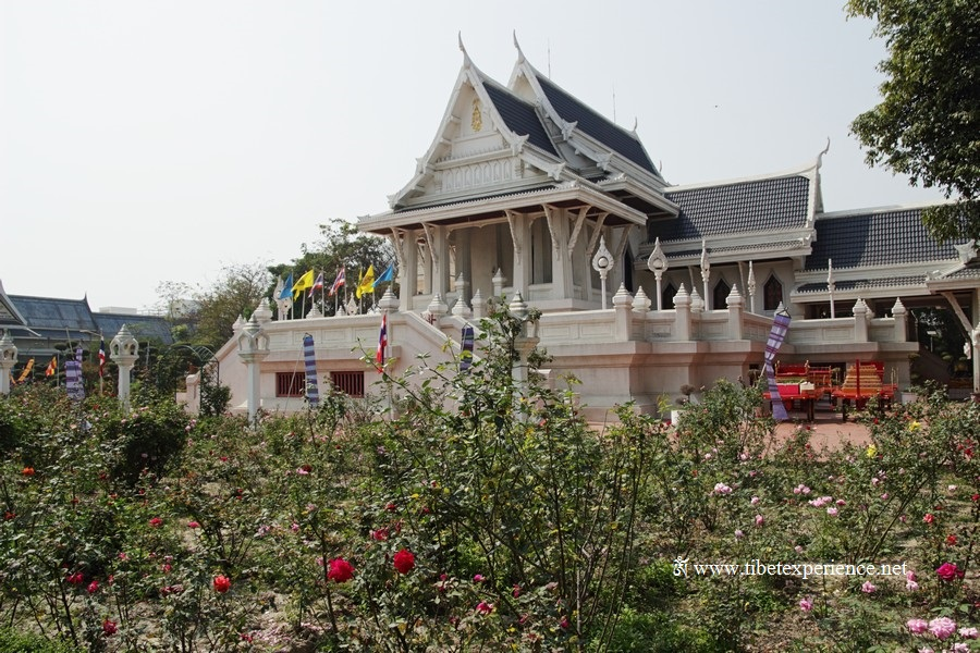 Тайский храм в Кушинагаре