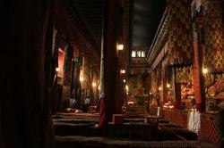 Тибет. Монастырь Сакья. Зал собраний.jpg