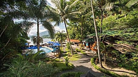 resort pool.jpg