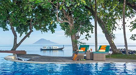 1 murex manado - relax at pool.jpg