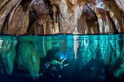 palau : chandelier cave