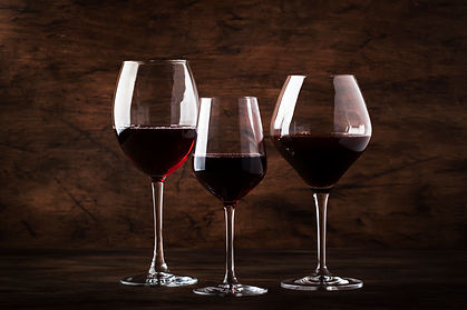 selection-of-red-wine-on-wine-tasting-4C