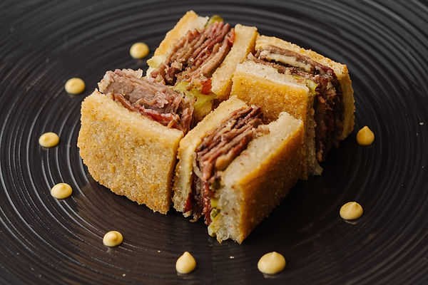 meateater-menu-starter-beef-pastrami-san