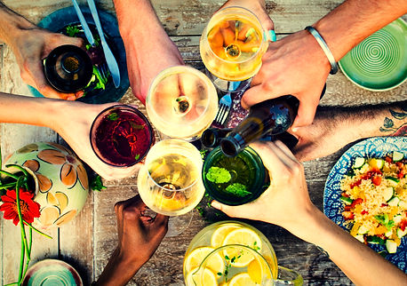 summer-party-with-food-and-drinks-YZFKD8