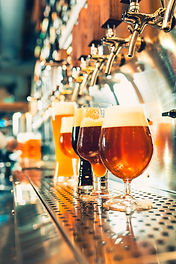 beer-taps-in-a-pub-PVRJNP7.jpg