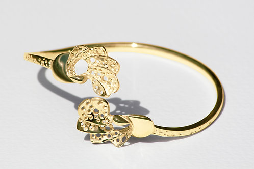 Pavo bangle with18 carat gold plate