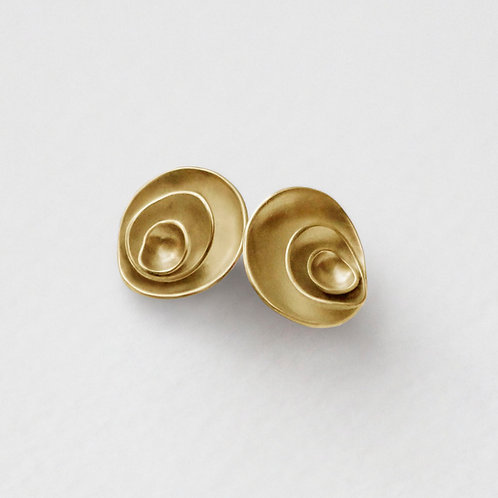 Peony stud earrings with 18k gold plate