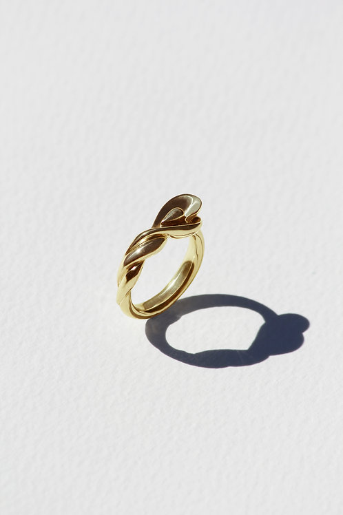 Pavo Ring with gold plate