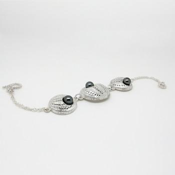 pearl bracelet.jpg