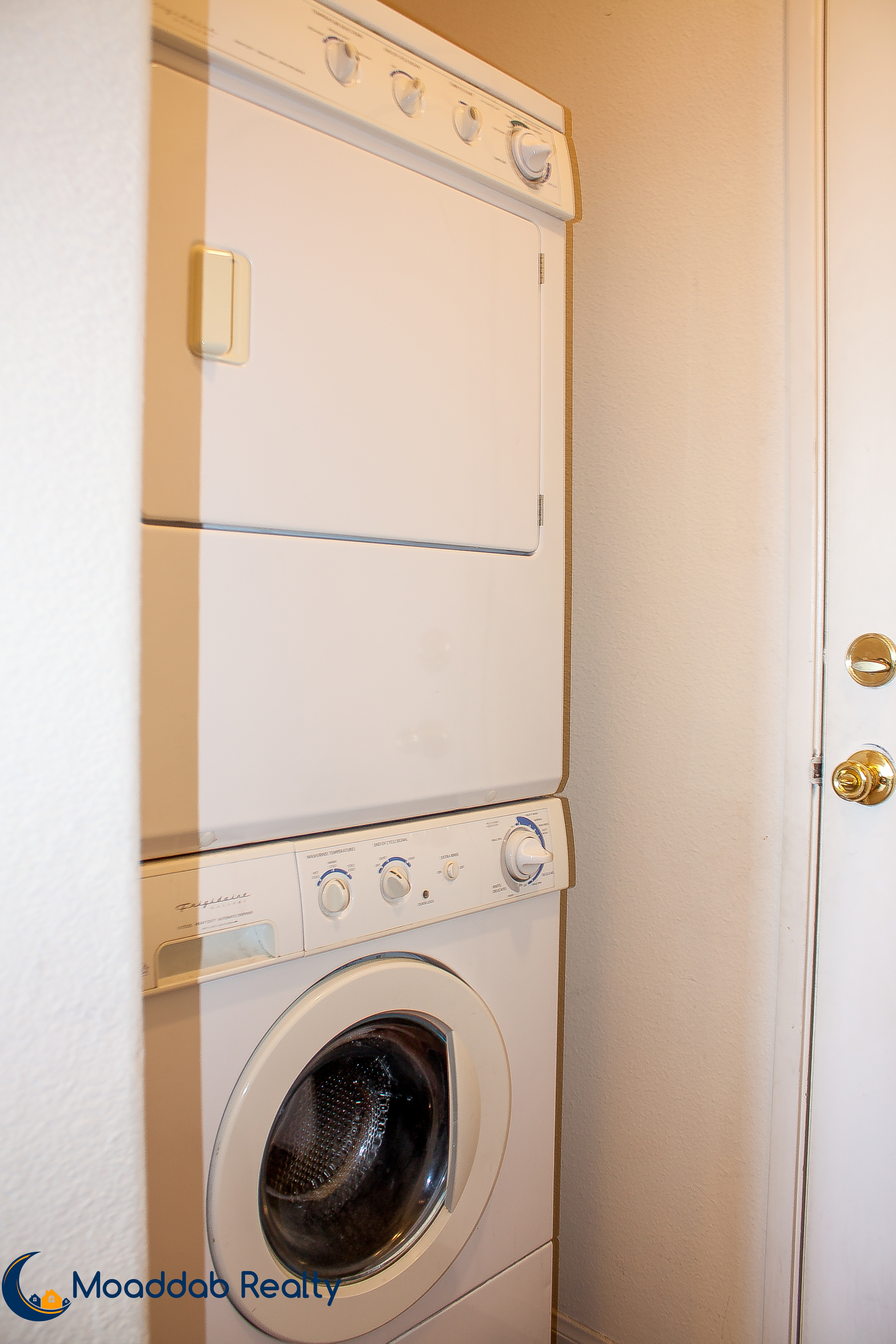 Stackable Laundry Nook