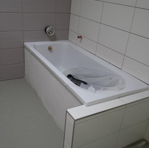treuehaende-fliesenleger-renovierung-ulm-sanitär--handwerker-fenster-sanierung-badsanierung-elektriker