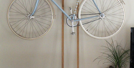 Bike hanger for one bicycle