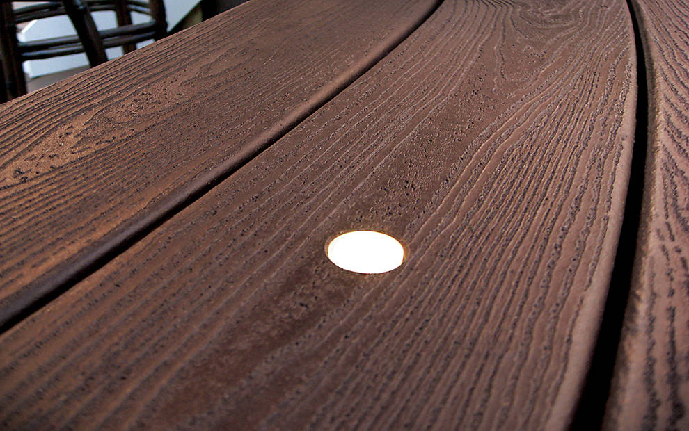 deck-lighting-board-detail-recessed-light-image-gallery-990x620.jpg