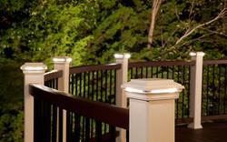 deck-lighting-transcend-spiced-rum-curved-rail-classic-white-post-cap-light-imag
