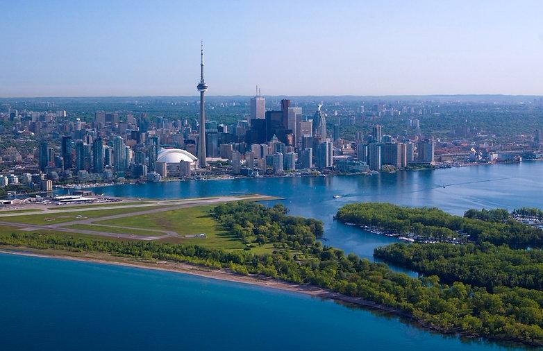 Istock Toronto SKYLINE_edited.jpg