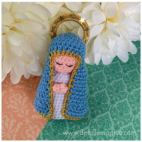 Detalle Magico_DETALLE MAGICO_H093_VIRGENES & ANGELES_HOGAR & OFICINA_Muñeca| Virgen de Milagrosa en Crochet_Regalos_Exclusiv